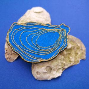 broche oyster shell